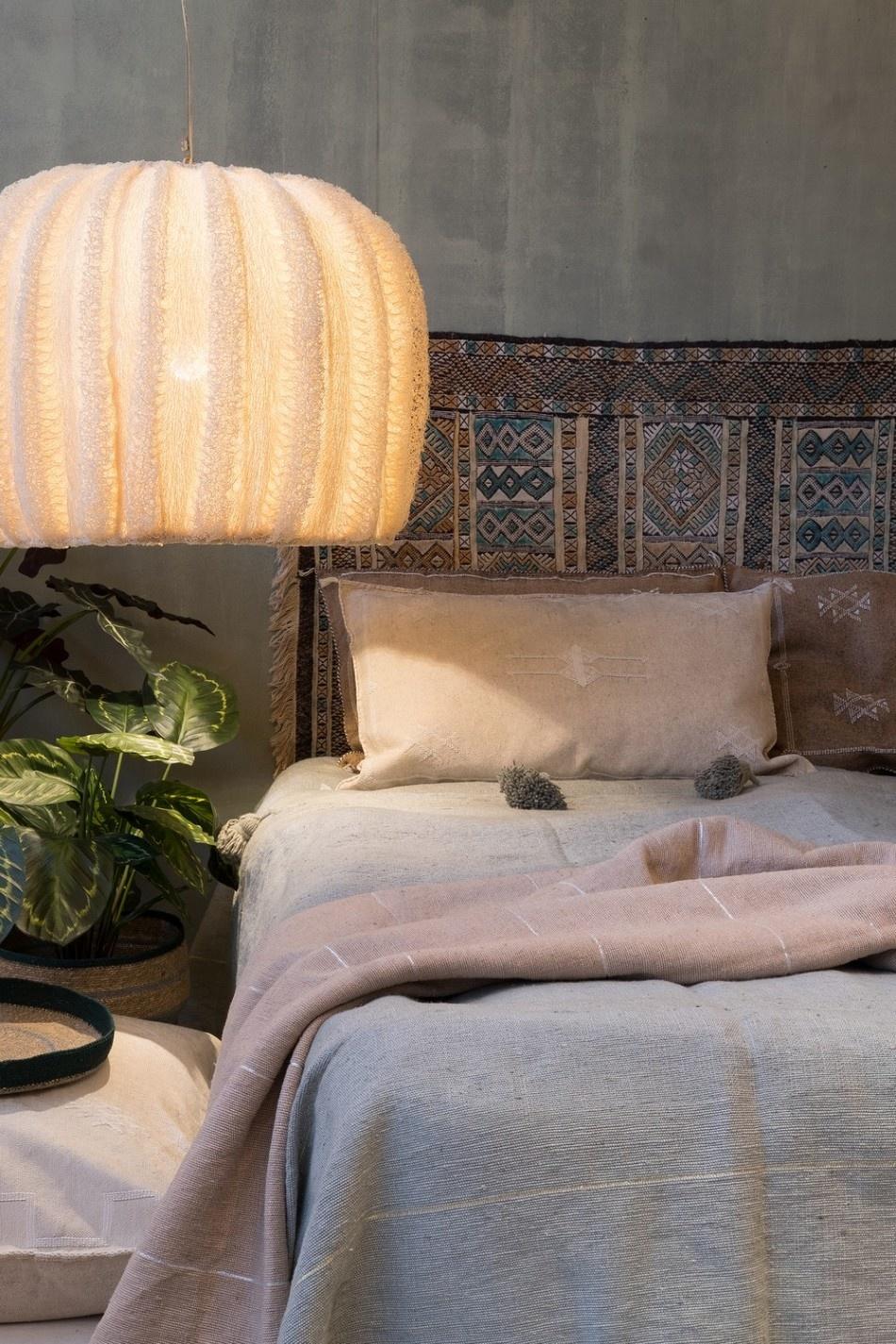 Petite Lily Interiors Cojín marroquí seda - Blanca Rota Oblong