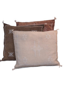 Petite Lily Interiors Moroccan Silk Cushion - Offwhite Oblong