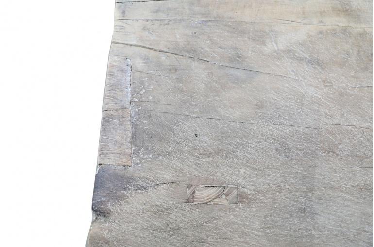 Petite Lily Interiors Table basse vintage / bois brut - 127x66xh42cm - noyer brut