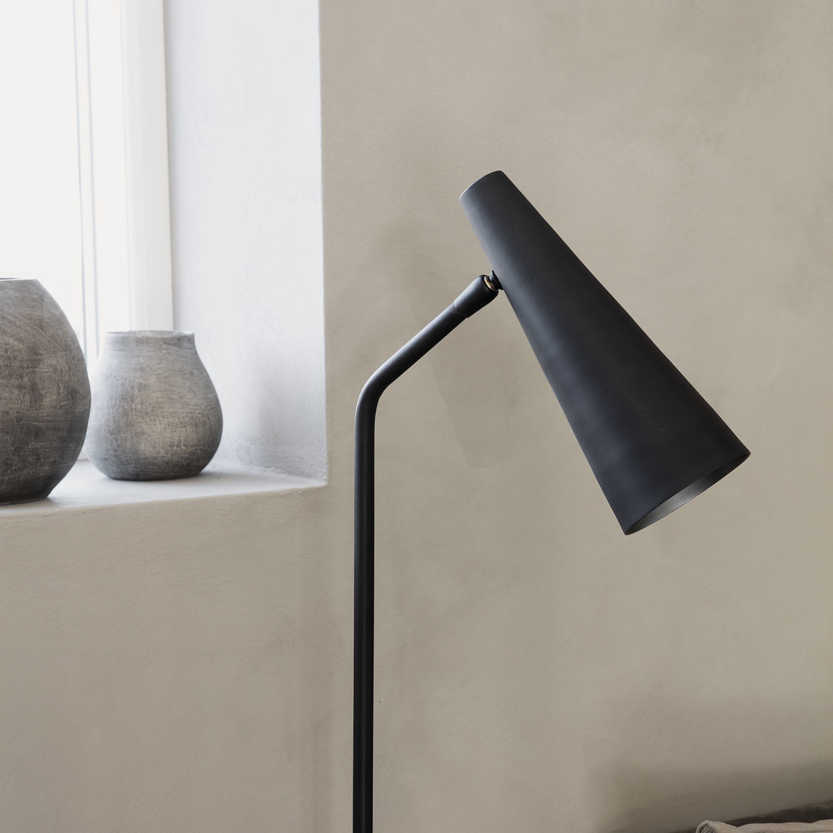 House Doctor Lampadaire - noir mat - h124cm - House Doctor / Society of Lifestyle