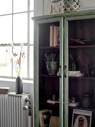 Bloomingville Green cabinet - wood & glass - L81xH122xW22cm
