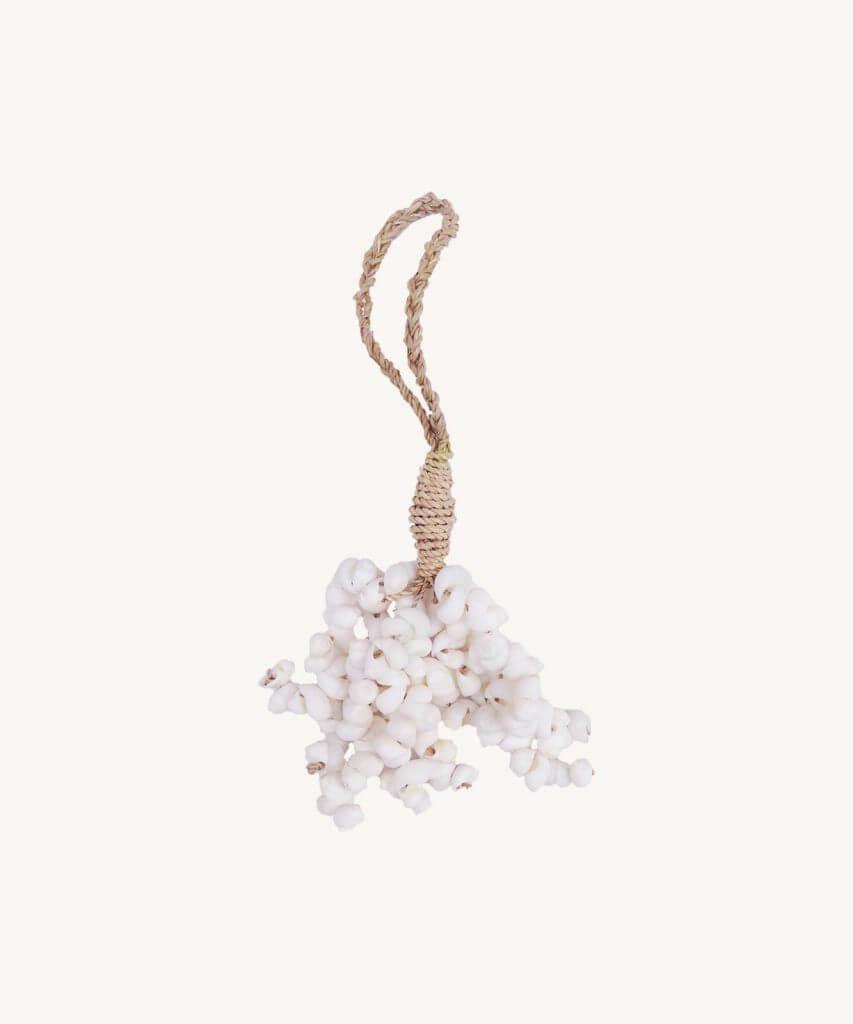 Petite Lily Interiors Shell Tassle Large Ø7xL27cm - white