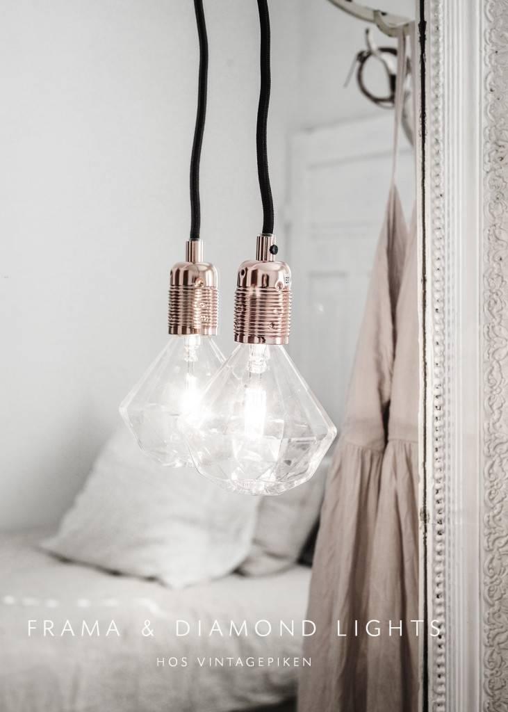 Suspension Lampe Diamant Frama vu sur vintagepiken.no