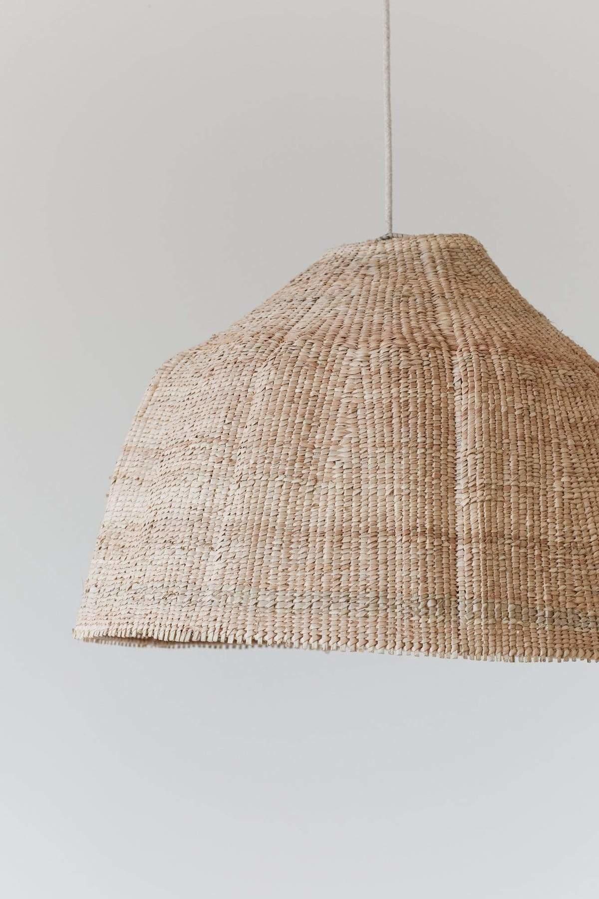 the dharma door  Lampe Suspension Tonga en fibres de palmier  - Naturel -  Ø60-H40cm