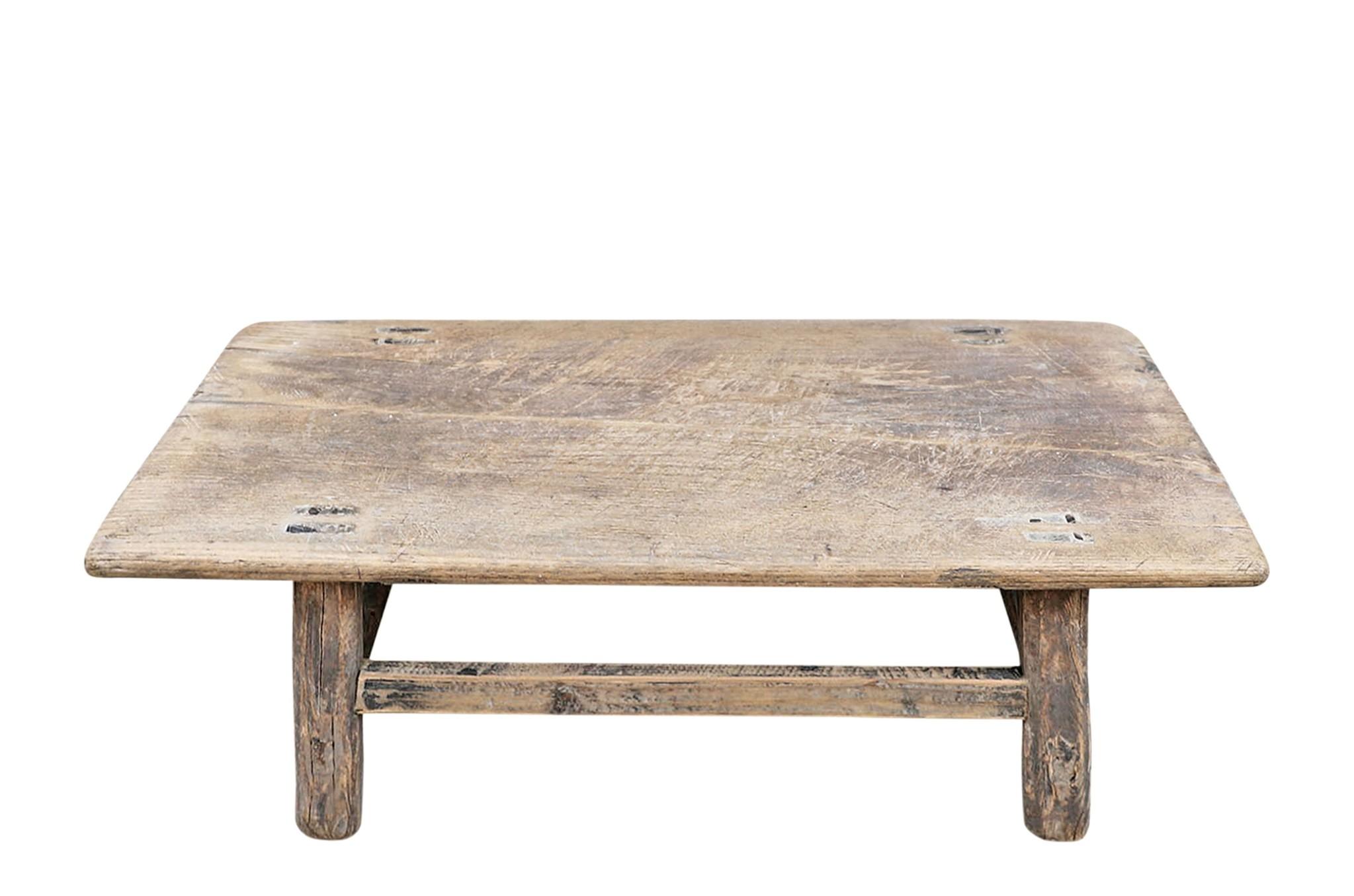 Snowdrops Copenhagen Table basse KANG - Bois d'orme- L83x46xL27cm - pièce unique