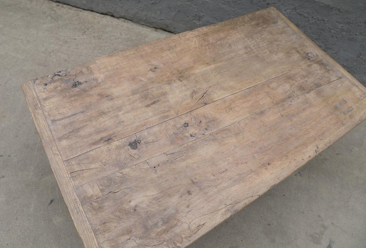 Maisons Origines Table basse vintage / bois brut - 113X64X44cm - noyer brut