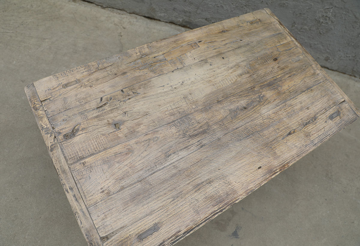 Maisons Origines Table basse bois brut - 94X55X42cm - pièce unique