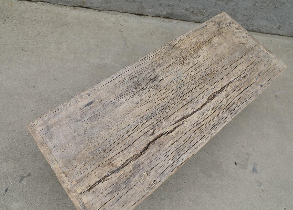 Maisons Origines Table basse bois brut - 106X40X35cm - pièce unique