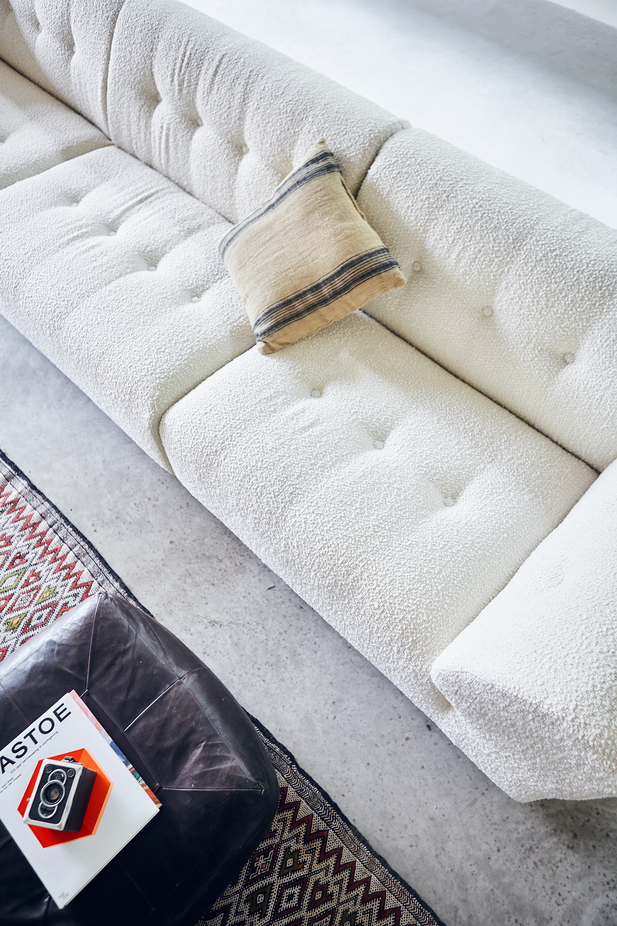 HK Living Element right lounge, boucle, cream, vint couch