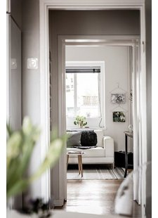 Scandinavian Interior Design with the block rug seen on planete-deco.fr