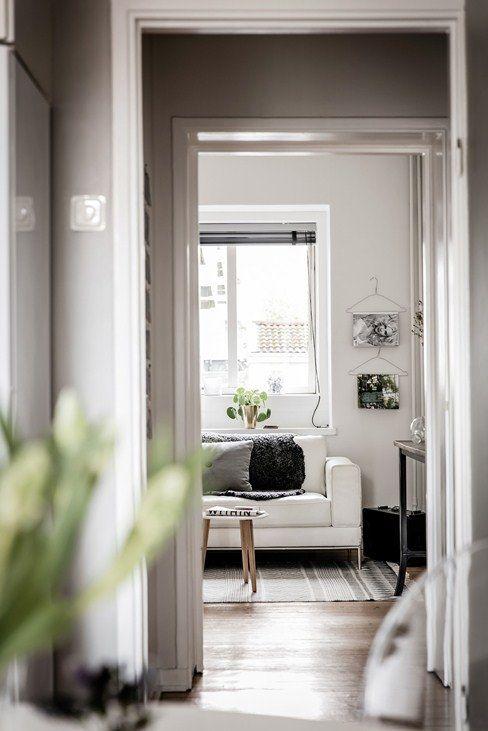 Scandinavian Interior Design with the block rug seen on planete-deco.fr