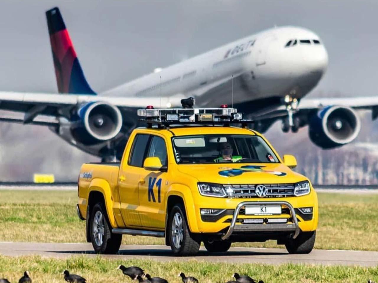 Het vogelafweer systeem van Alcetsound in werking op luchthaven Schiphol