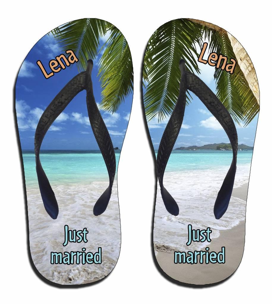 Just Married Handdoek.Slippers Just Married Strand