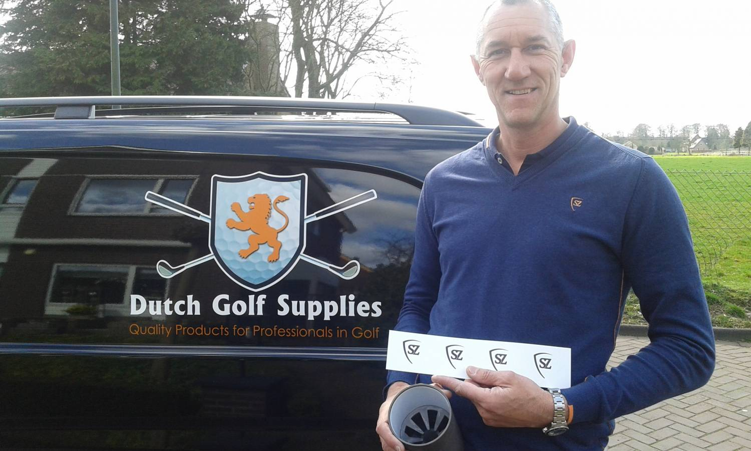 SCRATZ kleedt Dutch Golf Supplies