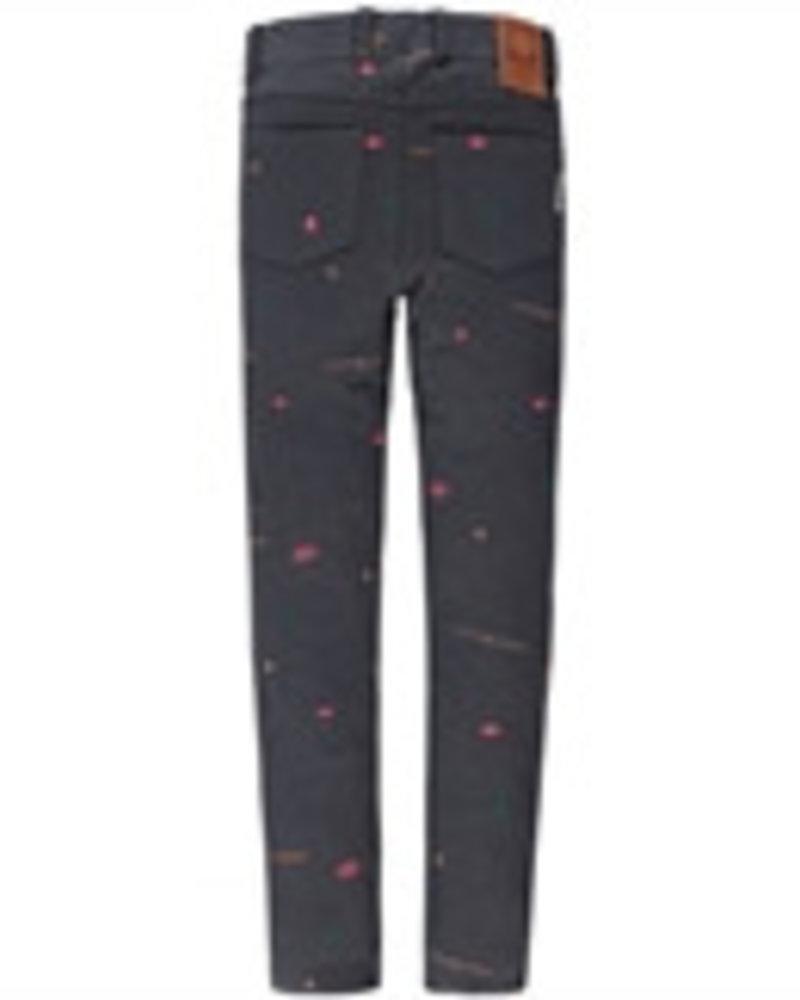 Tumble 'n Dry Lights, camera, action! Deze broek is perfect voor alle meisjes die van stijlvol én actie-proof houden. De jegging is gemaakt van aansluitend stretchkatoen met een comfy geruwde binnenkant en ziet er met z'n riemlussen, achterzakken en gulp- en steekzakke