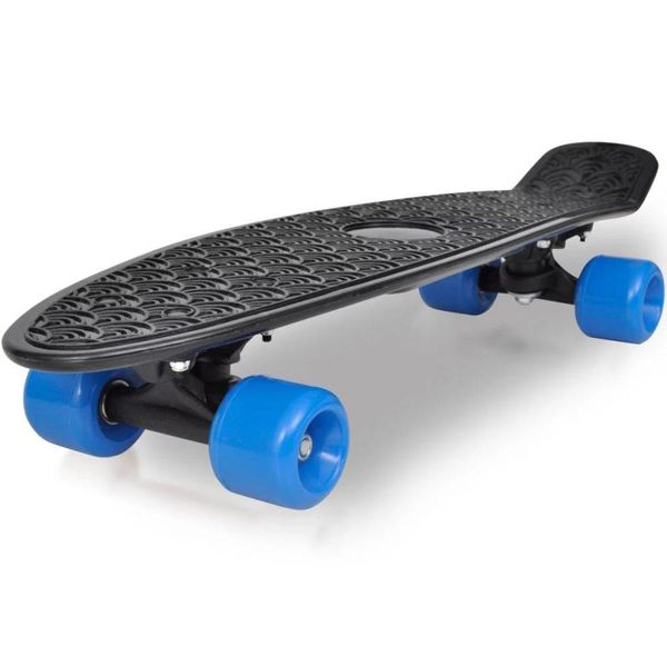 """Retro pennyboard met zwarte bovenkant en blauwe wielen 6,1"""""""
