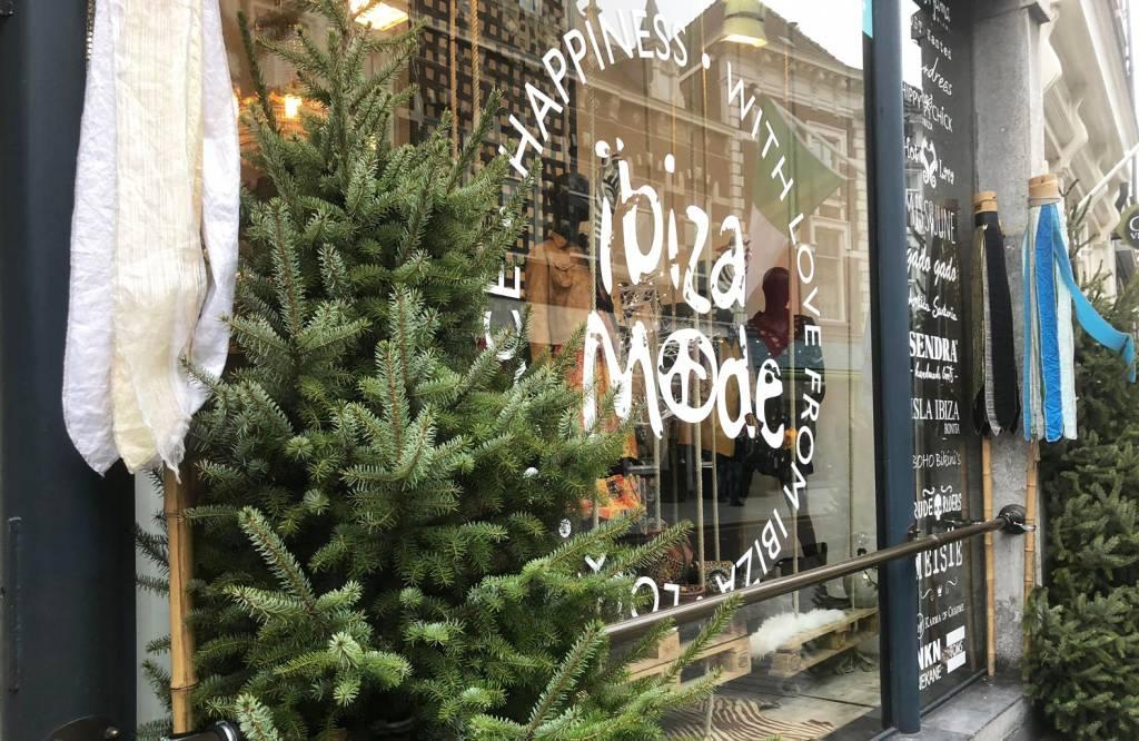 De sale is gestart in de Ibizamode Store in Den Bosch