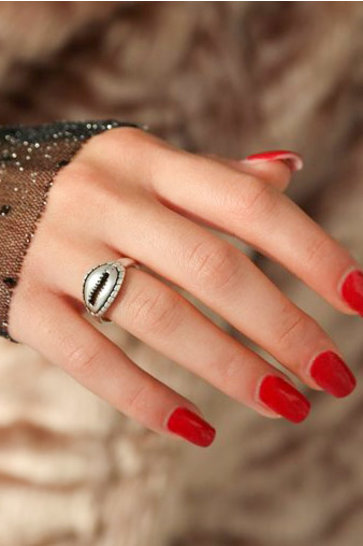 Ring Cowrie Shell Silver