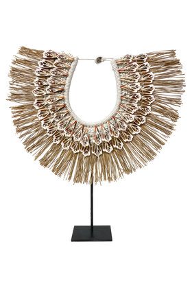 Shell Necklace On Standard Raffia Light Pink 45cm