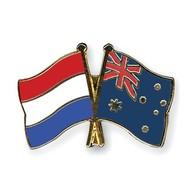 Speldje Netherlands Australia flag lapel pin