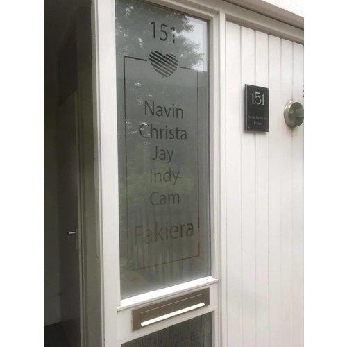 Raamfolie Hartje met huisnummer en familienaam
