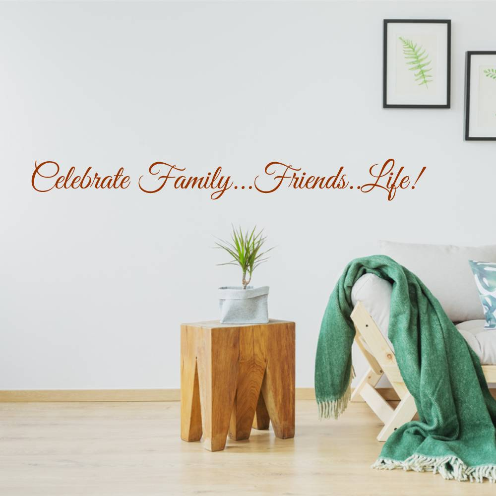 Sierletters Voor Op De Muur.Muursticker Celebrate Family Friends Life Muursticker4sale