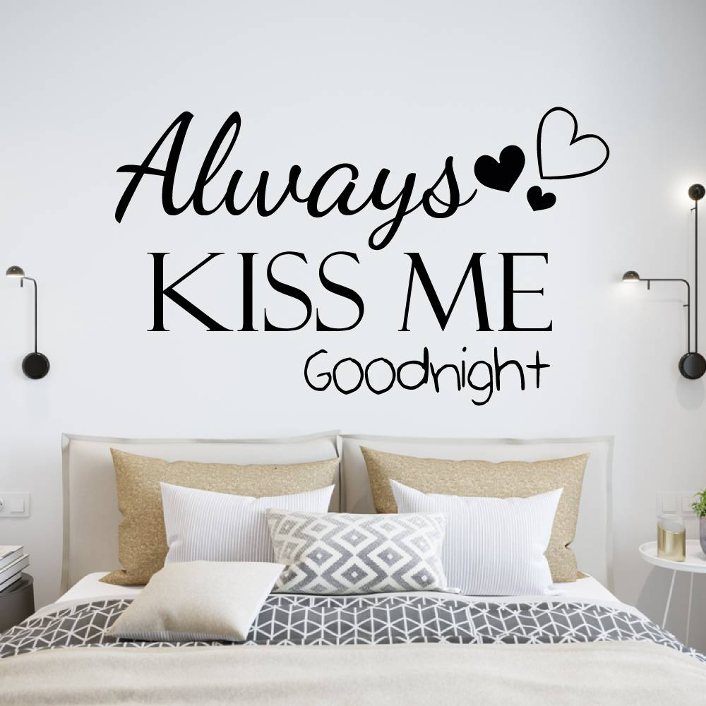 Muursticker Always kiss me goodnight met hartjes