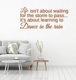 Muursticker Dance in the rain