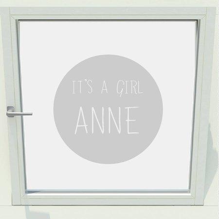 Geboorte sticker it's a girl met naam