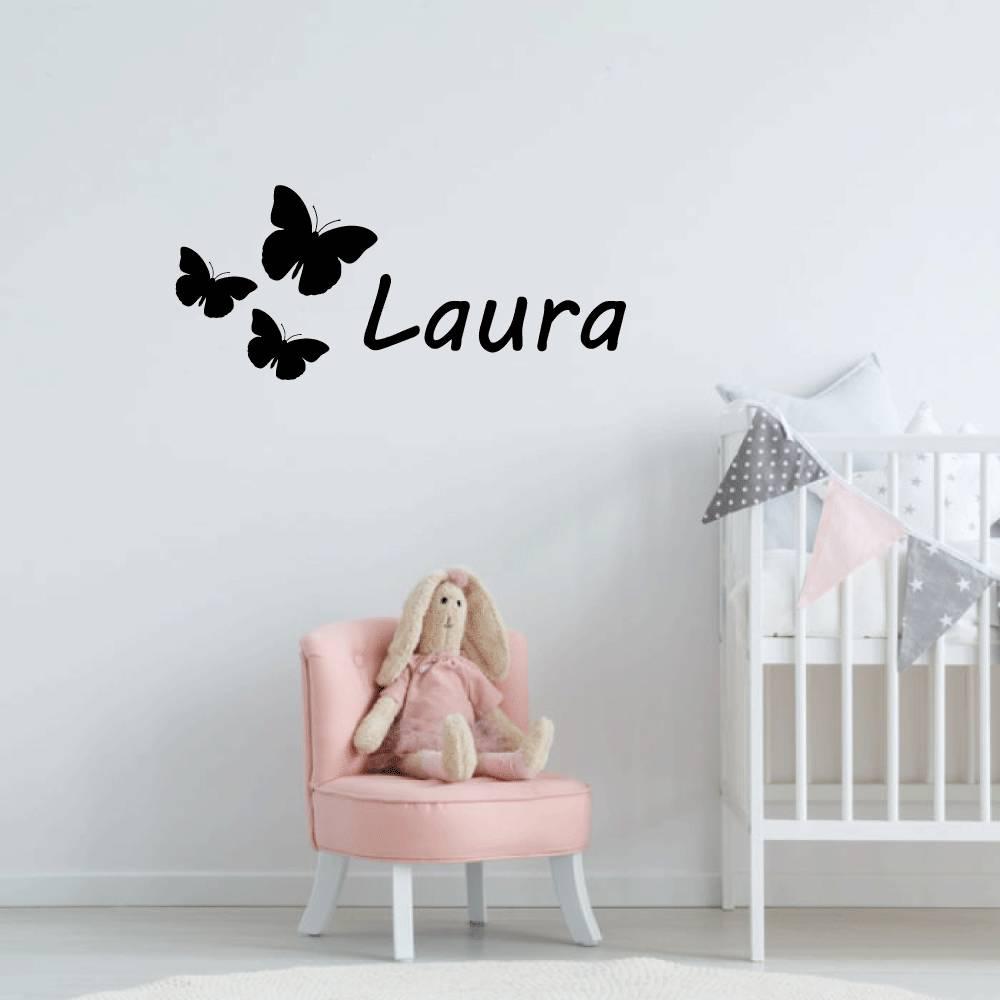Muursticker vlinders met naam -  baby en kinderkamer  naam stickers   dieren