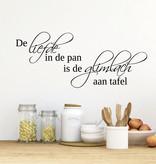 Muursticker De liefde in de pan is de glimlach aan tafel