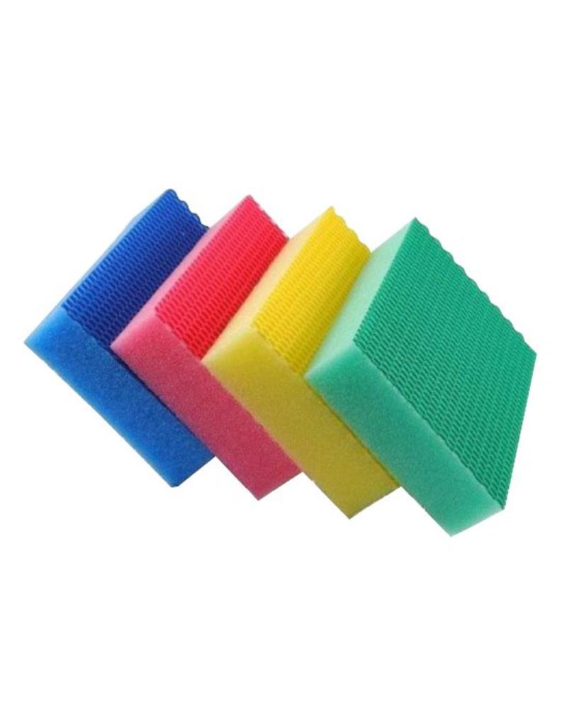 4 Sponzen in verschillende kleuren