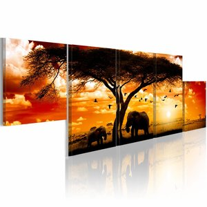 Schilderij - Rode zonsondergang, Olifanten - Afrika , boom , oranje ,  5 luik ,  100x30