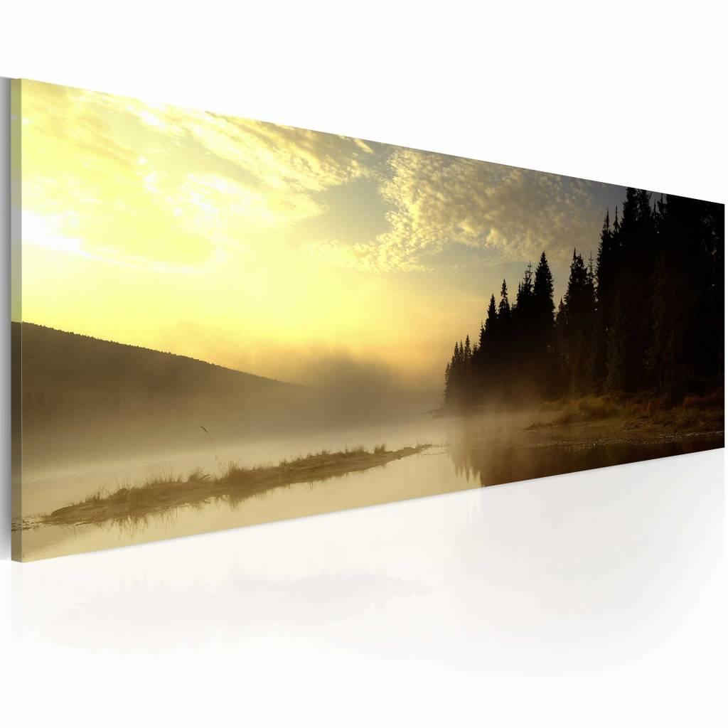 Schilderij - Mist over een Meer , geel , premium print op canvas