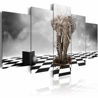 Schilderij - Vlucht uit Afrika, Olifant , zwart wit , 5 luik
