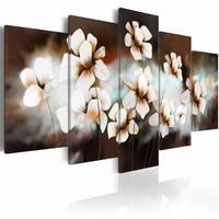 Schilderij - Zo zacht als zijde  , bloem , bruin wit , 5 luik