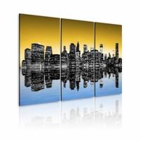 Schilderij - New York City - Spiegelbeeld, Geel/Blauw, 3luik