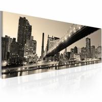 Schilderij - New York City - Nachtelijke Verhalen, Sepia,  120x40cm