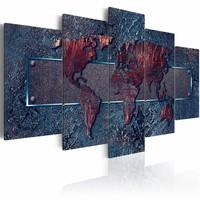 Schilderij - Roestige Expeditie - Wereldkaart , roest kleur blauw , 5 luik