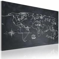Schilderij - Wereldkaart - Reizen verruimt de geest, Krijtbord Look, Zwart-Wit , premium print op canvas