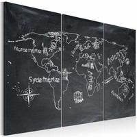 Schilderij - Wereldkaart - Aardrijkskundeles (Zweeds) II, Krijtbord Look, Zwart-Wit, 3Luik
