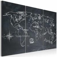 Schilderij - Wereldkaart - Reizen verruimt de Geest, Krijtbord Look, Zwart-Wit, 3luik , premium print op canvas