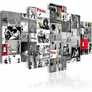 Schilderij - Collage Banksy, Grijs/Rood, 2 Maten, 5luik