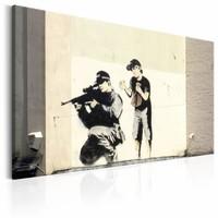 Schilderij - Banksy - Sluipschutter en jongetje, Geel/Zwart, 1luik