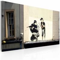 Schilderij - Banksy - Sluipschutter en Jongetje, 40x60cm , wanddecoratie , premium print op canvas