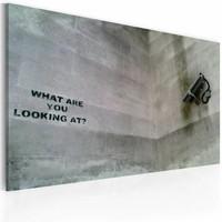 Schilderij - Banksy - What are you looking at? Grijs, 40x60cm , wanddecoratie , premium print op canvas