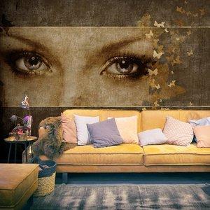 Fotobehang - Vrouw en vlinders , beige bruin