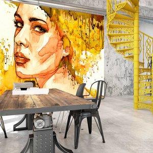 Fotobehang - Amberkleurige Vrouw , beige oranje
