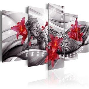 Schilderij - Relaxing Boeddha tussen rode bloemen , 5 luik