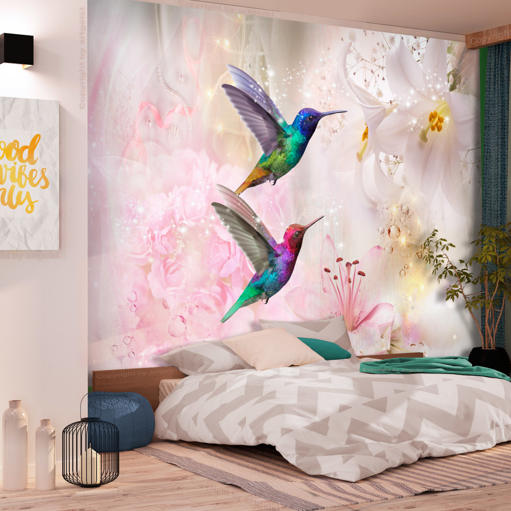 Fotobehang - Kleurrijke Kolibries op roze achtergrond